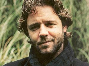 Russell Crowe could play the gnarly and wicked General Kerrion without the need for any Method whatsoever. Volatility. It's a gift.